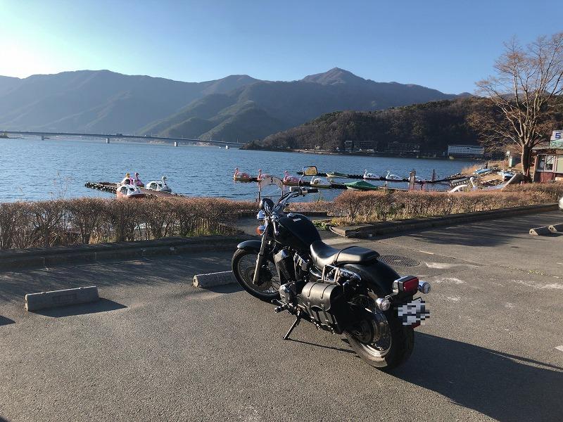 河口湖とVT400s