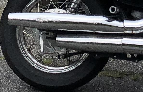 バイクのマフラー